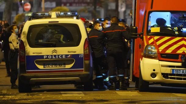 Angriff mit Schusswaffe vor Kirche in Lyon