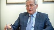 Salomon Korn, Vorsitzender der Jüdischen Gemeinde in Frankfurt, äußert sich zu antisemitischen Vorfällen im Waldstadion.