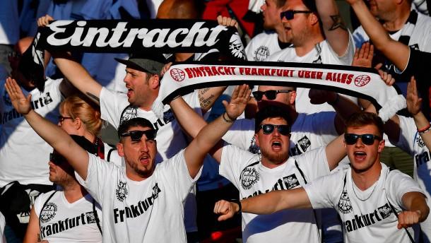 Aufenthaltsverbot für Frankfurt-Fans in Marseille