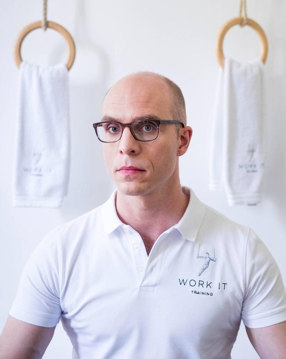 """Arlow Pieniak, Inhaber vom Work-It-Training in Hamburg und Autor des Ratgebers """"Typgerecht trainieren: Die perfekte Methode"""" (Südwest Verlag)."""