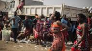 Dutzende tote Mädchen bei Lasterunfall