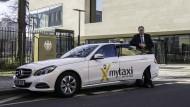 Vor dem Bundesgerichtshof: Alexander Mönch, Deutschland-Chef von My Taxi