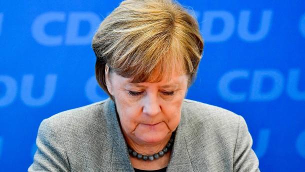 Jeder zweite Deutsche für vorzeitigen Abgang Merkels