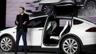 Tesla präsentiert schwarze Zahlen