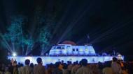 Vor zehn Jahren wurde dieses Polizeiboot vom Tsunami an Lang geschleudert - nun wird es in Khao Lak zum Denkmal.
