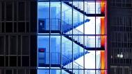 Leuchtendes Geschäft: Gewerbeimmobilie in Hamburg