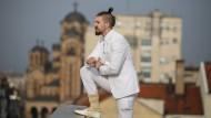 Serbischer Satiriker mischt Politik auf