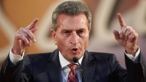 Oettinger fordert Senkung der Stromsteuer in Milliardenhöhe