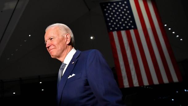 Biden-Triumph in Krisenzeiten