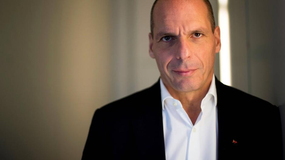 Yanis Varoufakis, aufgenommen auf einer Pressekonferenz im November 2017 in Barcelona
