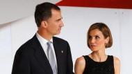 Uneinig ist sich die Fachpresse, ob die Spanier ihre neue Königin Letizia mögen oder nicht. Das ist aber auch schwierig!