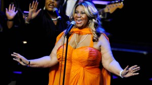 Kleider von Aretha Franklin werden versteigert