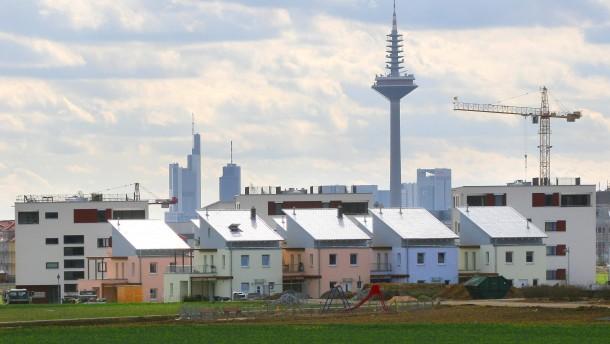 Stadtansichten - Nordansicht Stadtteil Riedberg mit Teilansichten der Frankfurter Skyline