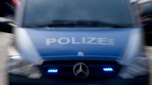 Polizisten und Autofahrer bei Verfolgungsjagd verletzt