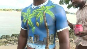 Körperkunst in der Elfenbeinküste
