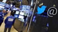 Twitter-Aktie steigt stark und stürzt wieder ab