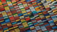 Ökonomisches Tetris: Container am Hamburger Hafen.