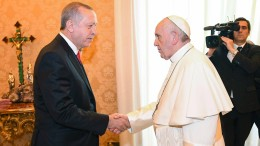 Papst Franziskus empfängt Erdogan