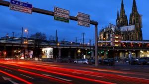 Breite Kritik an Scheuers Diesel-Kompromiss