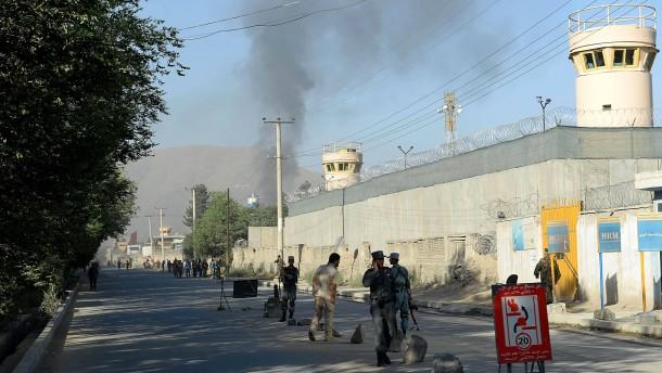 Taliban greifen Präsidentenpalast an