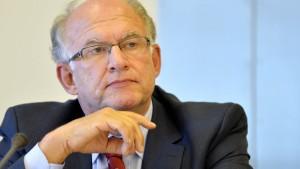 Schaar: Übermittlung von Bankdaten aussetzen