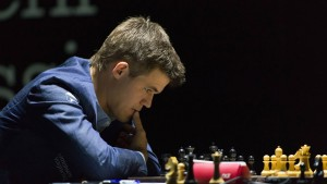 Carlsen verteidigt seine Führung