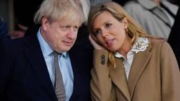 Boris Johnson wegen Coronavirus im Krankenhaus