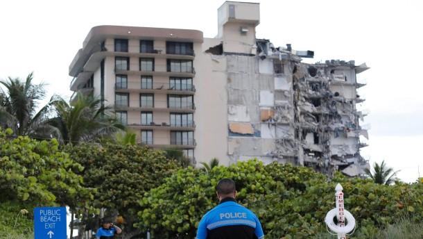 Hochhaus in Miami eingestürzt