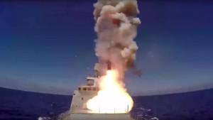 Russland feuert Marschflugkörper auf IS-Stellungen ab