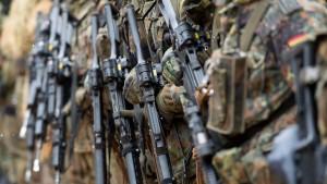 Regierung will Einsatz der Bundeswehr im Inneren erleichtern