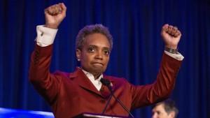Lori Lightfoot regiert als erste schwarze Frau Chicago