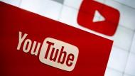 Russland droht Youtube nach der Sperrung von zwei Kanälen von RT mit Blockade.