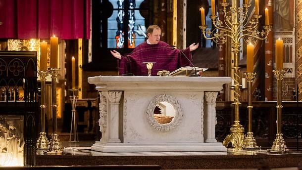 Am Sonntag bleiben alle Kirchen leer