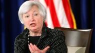 Nein, keine Risiken: Fed-Präsidentin Janet Yellen beglückt den Aktienmarkt.