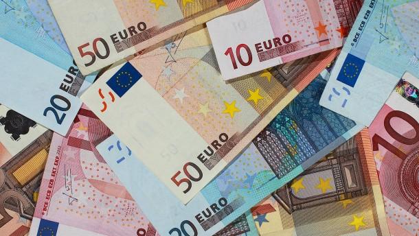 Bund kassiert 670 Millionen Euro Zinsen
