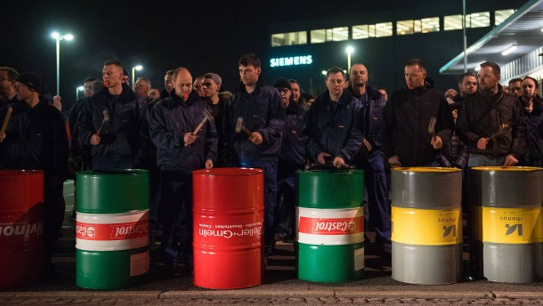 Kämpferische Weihnachten bei Siemens