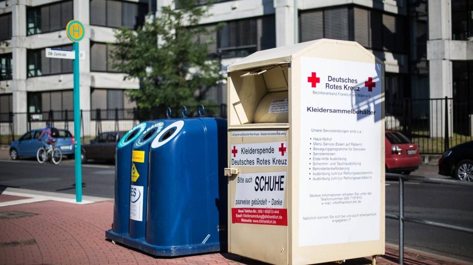Eindeutig gekennzeichnet: Bei Containern des Deutschen Roten Kreuzes ist ersichtlich, wer sammelt