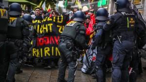 Auseinandersetzungen bei Kurden-Demo in Stuttgart