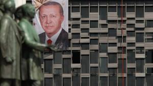 """""""Erdogan baut die Türkei zum autoritären Verfolgerstaat um"""""""