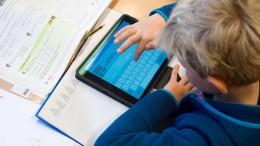 Bundesländer sollen schon mal Glasfaser in Schulen legen