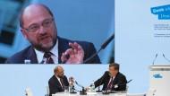 """Der Präsident des Europäischen Parlaments, Martin Schulz, im Gespräch mit dem F.A.Z.-Ressortleiter Außenpolitik Klaus-Dieter Frankenberger: """"Die Solidargemeinschaft ist keine Einbahnstraße""""."""