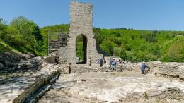 Kirchenmauern aus Usinger Steinen
