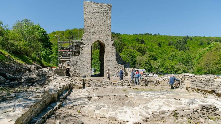 """Landmarke: Vor drei Jahren hat der Hochtaunuskreis die Ruine """"Unsere liebe Frau vom Landstein"""" gekauft."""
