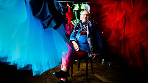 """Christian Lacroix  - Der französische Modeschöpfer entwirft Kostüme für die Show """"Show Me"""" des Friedrichstadtpalasts, die am 18. Oktober Premiere hat"""