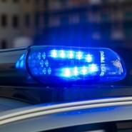 Ein 38 Jahre alter Mann und zwei vier und sieben Jahre Kinder sind im Schweizer Kanton tot aufgefunden worden. (Symbolbild)