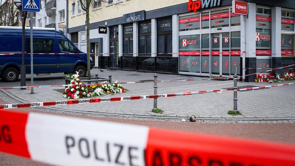 Der Tatort am Heumarkt in Hanau am Tag nach dem Anschlag