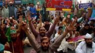 Nach dem Freispruch der Chritin Asia Bibi: Tobende Mobs fordern ihren Tod.