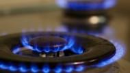 Die Gaspreise für die Einkäufer sinken, die Verbraucher in Deutschland profitieren davon aber nur teilweise.