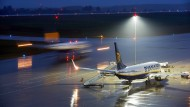 Dunkle Zeiten für Ryanair: Bei der Billigfluggesellschaft herrscht Chaos.