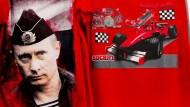Kleidung, Macht, Leute: Ein T-Shirt mit Putin-Print ist für umgerechnet acht Euro zu haben.